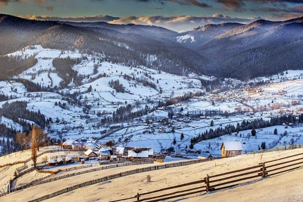 poze-Bucovina-Romania-iarna-decembrie-2014-foto-Sorin-Onisor_cristi-raraitu.blogspot.ro